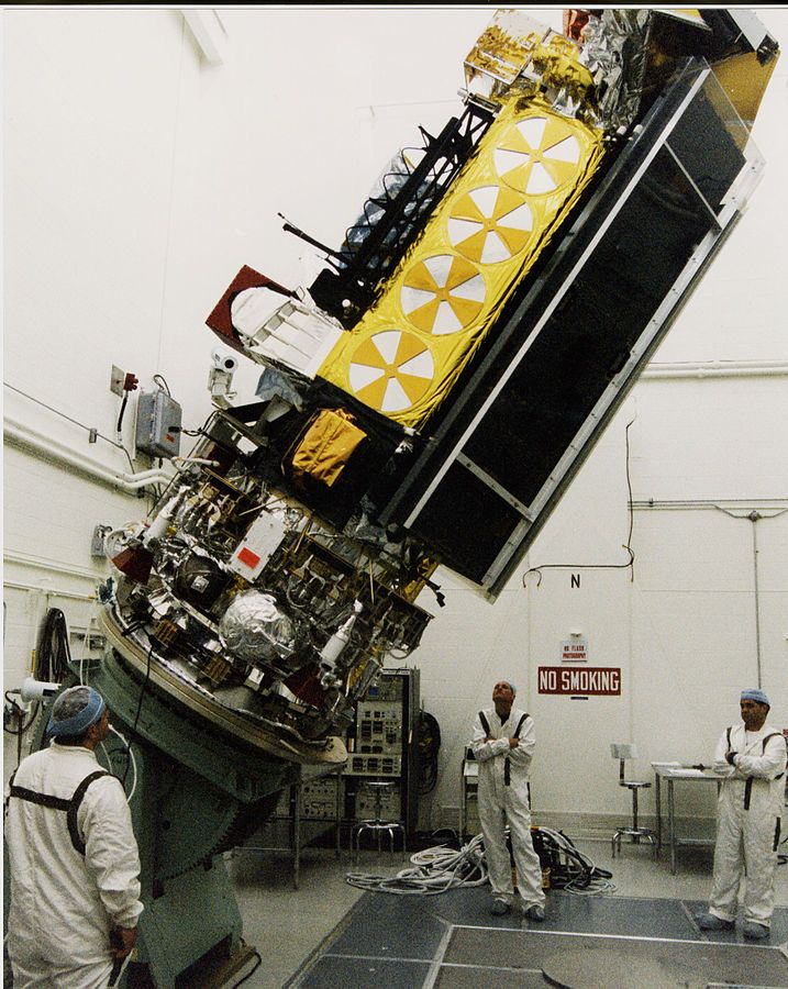 NOAA-L_satellite_tilted_in_Vandenberg_AFB_clean_room